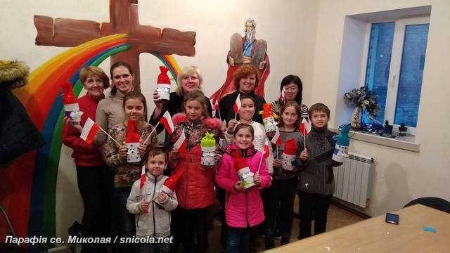 """День Незалежності Польщі в """"Творчій Майстерні"""" при парафії св. Миколая"""