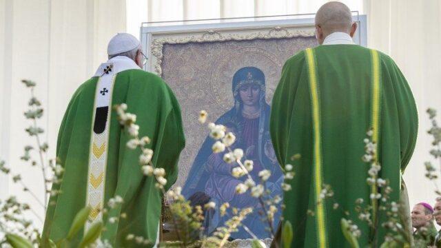 Молитви до Богородиці, які Папа пропонує вірним на травень